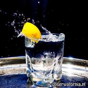 Szklanka i cytryna